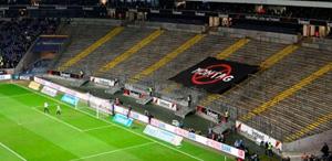 Mundlöcher im Stadion Frankfurt
